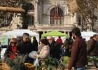 Un mercado ecológico en la plaza del Ayuntamiento de Valencia