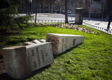 Carmena inicia sin avisar el derribo de los monumentos franquistas