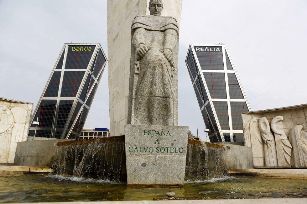Monumento a José Calvo Sotelo, en la plaza de Castilla.