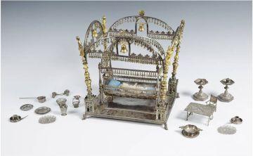 La cuna de Sijena y los otros objetos rituales que se pusieron a la venta.