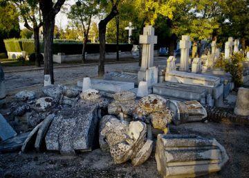 Los cementerios necesitan 24 millones para reparar los años de abandono