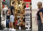 Valencia reduce de cinco a dos las zonas de libre apertura comercial