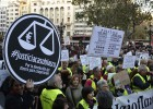 La protesta contra la corrupción se detiene ante el domicilio de Barberá