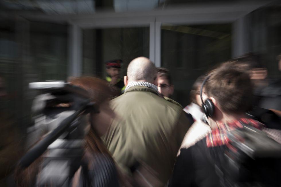 El padre del exalumno que ha destapado el caso este sabado al juzgado.