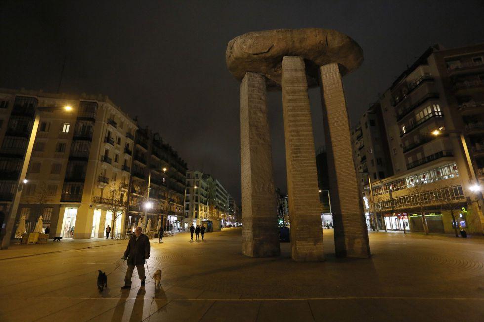 Plaza dedicada a Salvador Dalí en Madrid