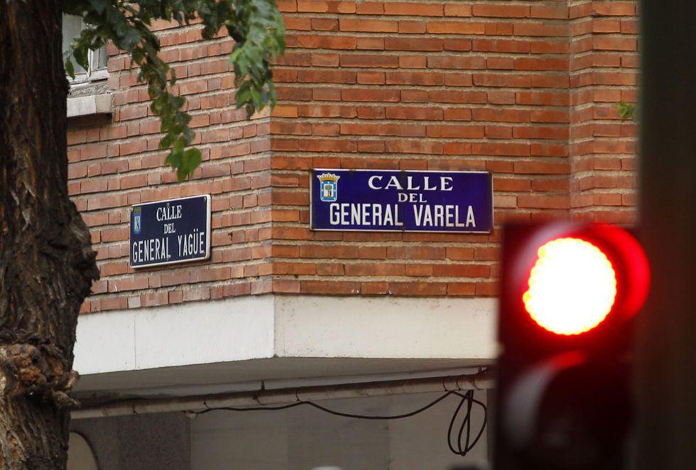 Confluencia de las calles del general Yagüe y del general Varela, en el distrito de Tetuán.