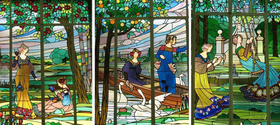 Los tres plafones modernistas con las seis Damas de Cerdanyola.
