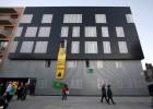 La Generalitat regulariza 300 familias que vivían en pisos del banco malo