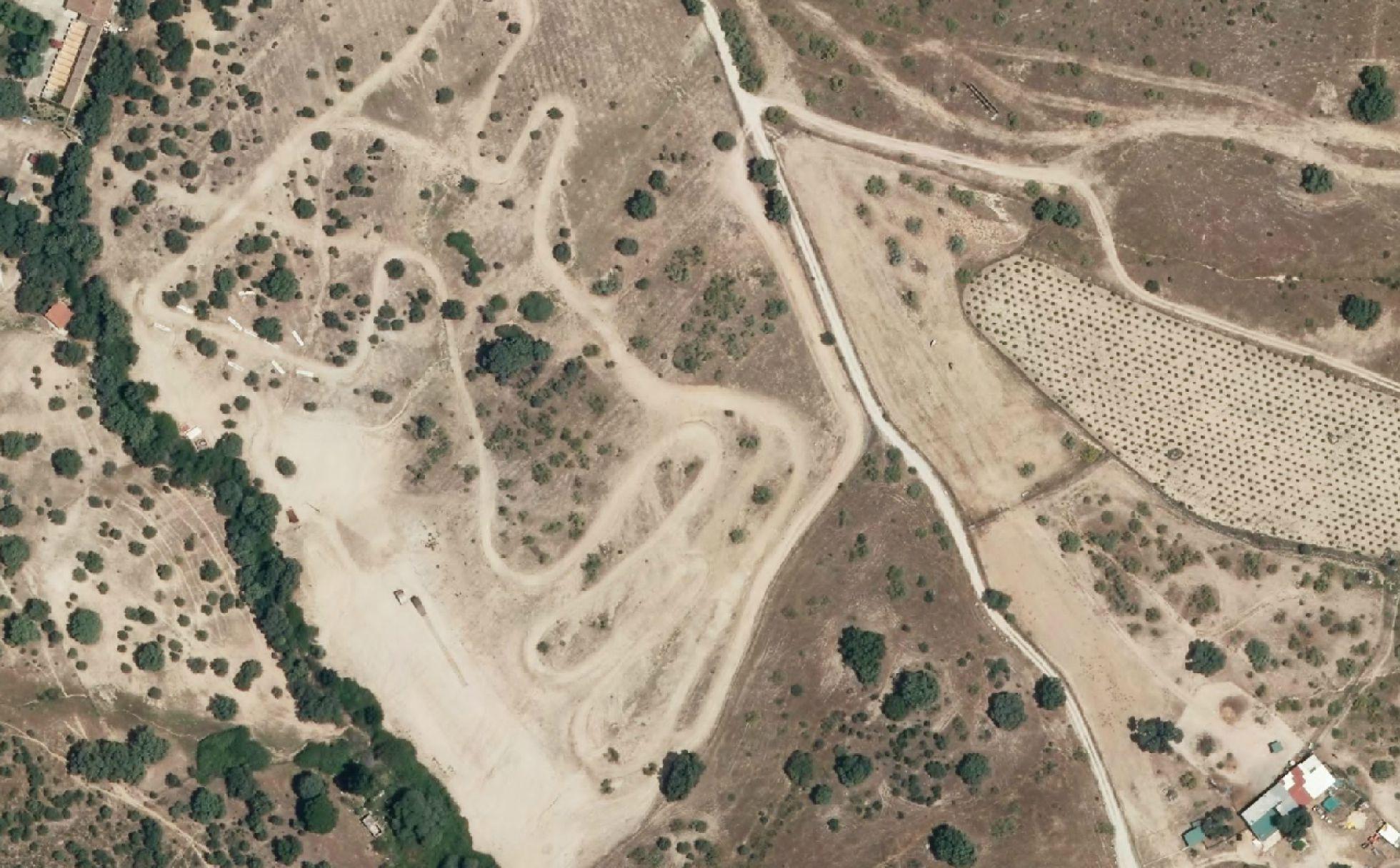 Cuatro años de cárcel por una pista de motocross en una finca protegida 1455305185_006920_1455398585_noticia_normal_recorte1