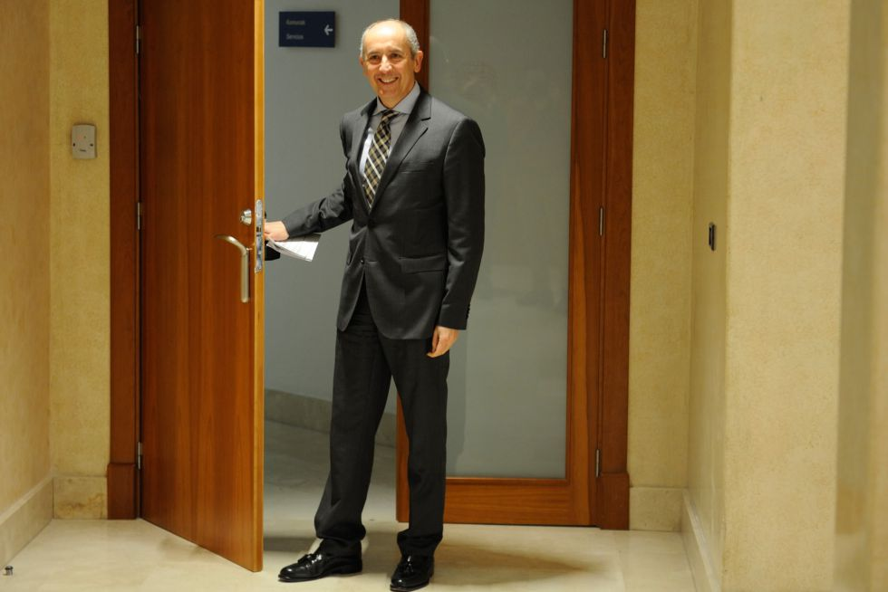 Josu Erkoreka, portavoz del Gobierno vasco, antes de comparecencia en la sede del Ejecutivo.
