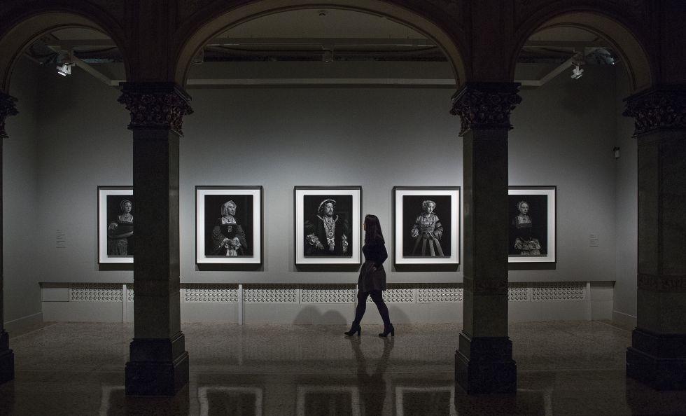 Las fotografías sobre Enrique VIII y sus mujeres de Sugimoto, que se puede ver en la Fundacón Mapfre de Barcelona.