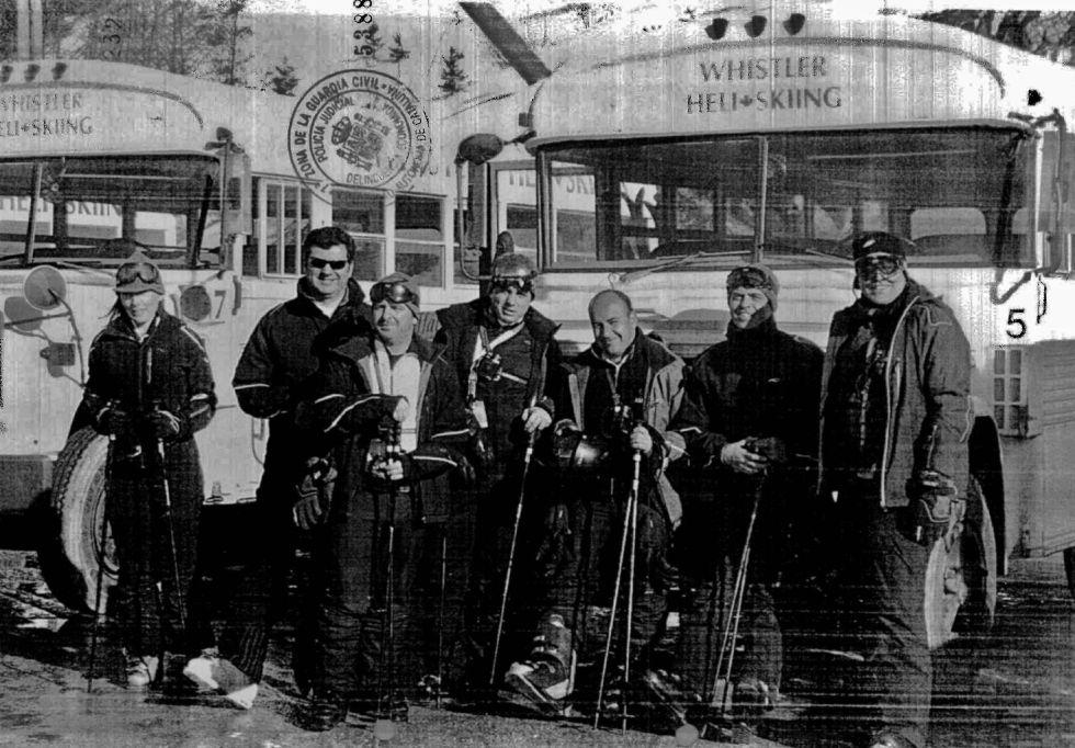 Excargos de Adif y directivos de empresas constructoras del AVE, durante un viaje de placer a las pistas de esquí de Whistler (Vancouver, Canadá).