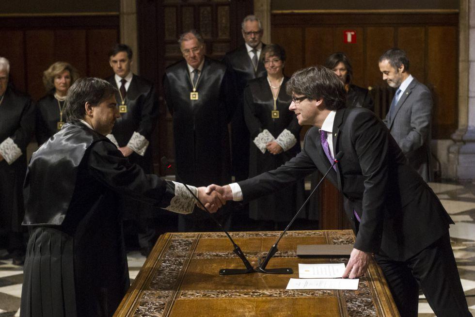 Carles Puigdemont, durante la toma de posesión de los miembros de la Comisión Jurídica Asesora