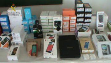 Teléfonos móviles recuperados en la Operación Luxem