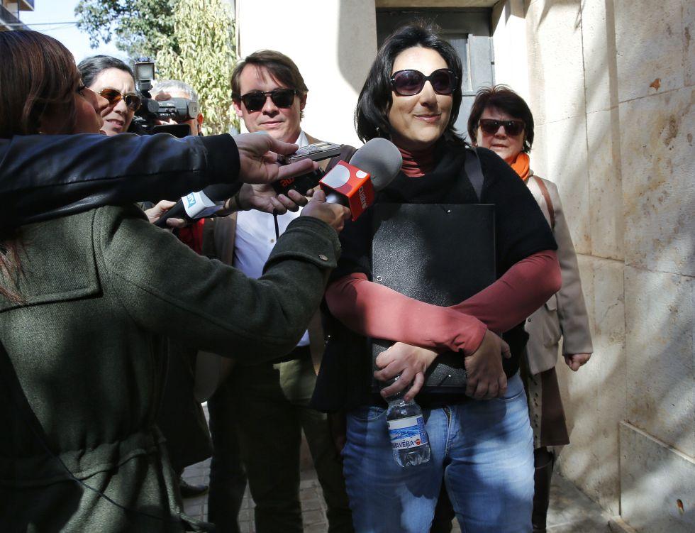 Rosa Pérez Garijo, la diputada que denunció el caso Taula, antes de declarar ante la UCO en Valencia.