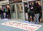 Stop Subidas bloquea varios convoyes de la L9 y de Ferrocarrils