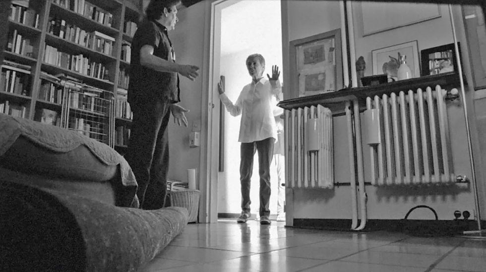 Rosa Novell y el director Agustí Villaronga, en un fotograma del filme 'El testament de la Rosa'.