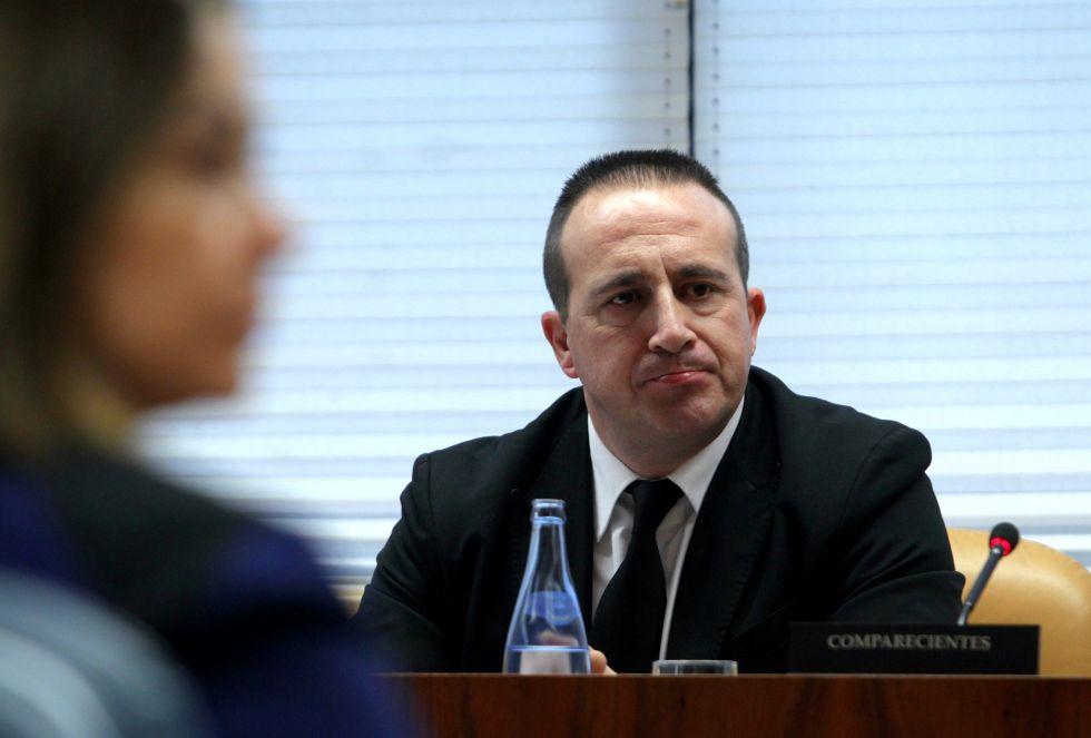 Jose Manuel Pinto Serrano, Técnico de la Dirección General de Seguridad de la Comunidad de Madrid, durante su comparecencia en la Comisión de Investigación sobre corrupción política en la comunidad.