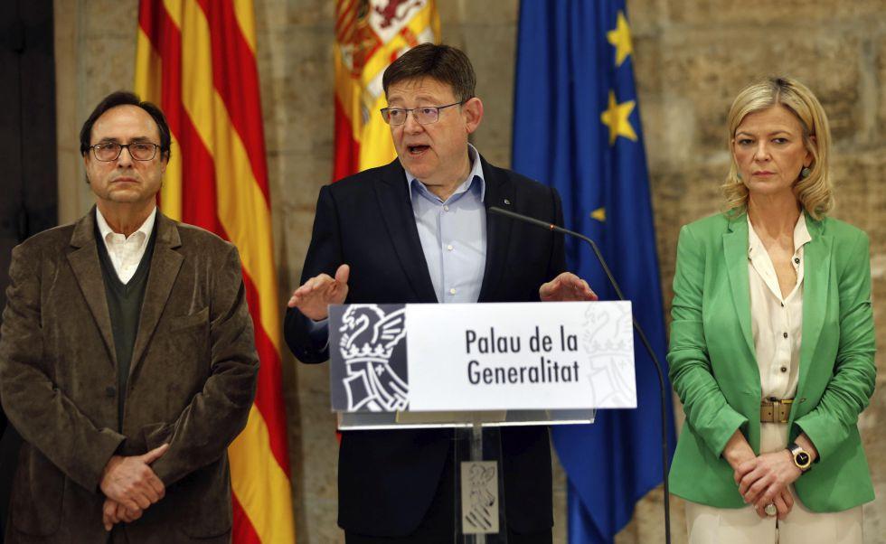 El presidente Puig acompañado por los consejeros de Hacienda y Justicia.
