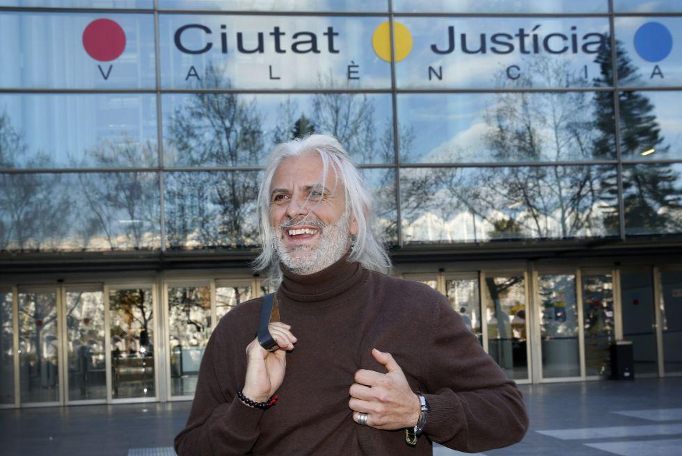 Marcos Benavent, ex alto cargo del PP de Valencia, llega a declarar.