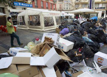 El juez encarcela a los dos detenidos por quemar contenedores en Málaga