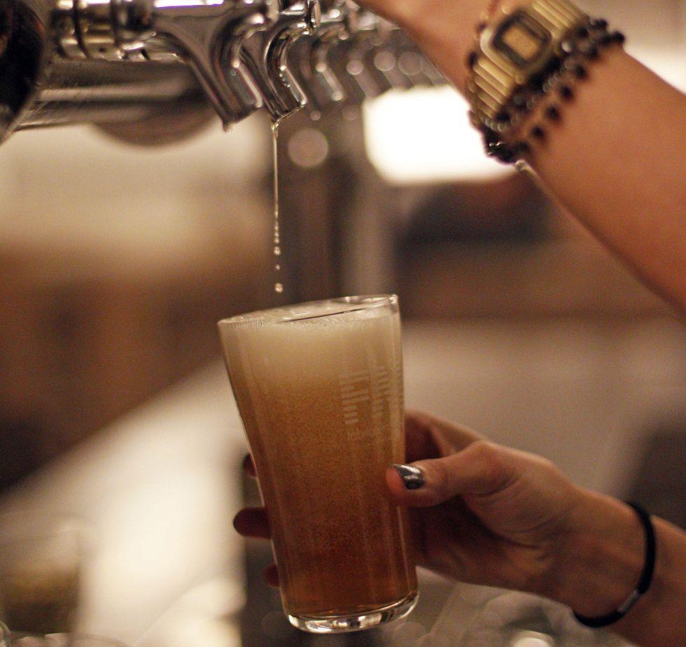 Grifo de cerveza artesana en La Fábrica Maravillas.