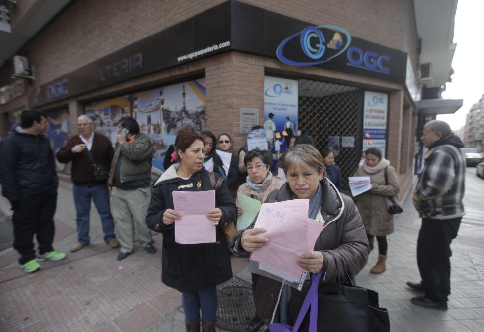 Afectados por el cierre de la empresa en Madrid.