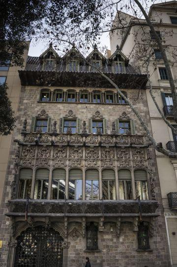 Detalle de la fachada del Palau.