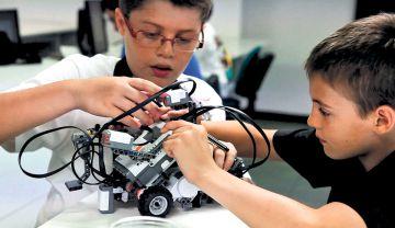 Actividad de robótica en el centro educativo Mi Colegio Promete.
