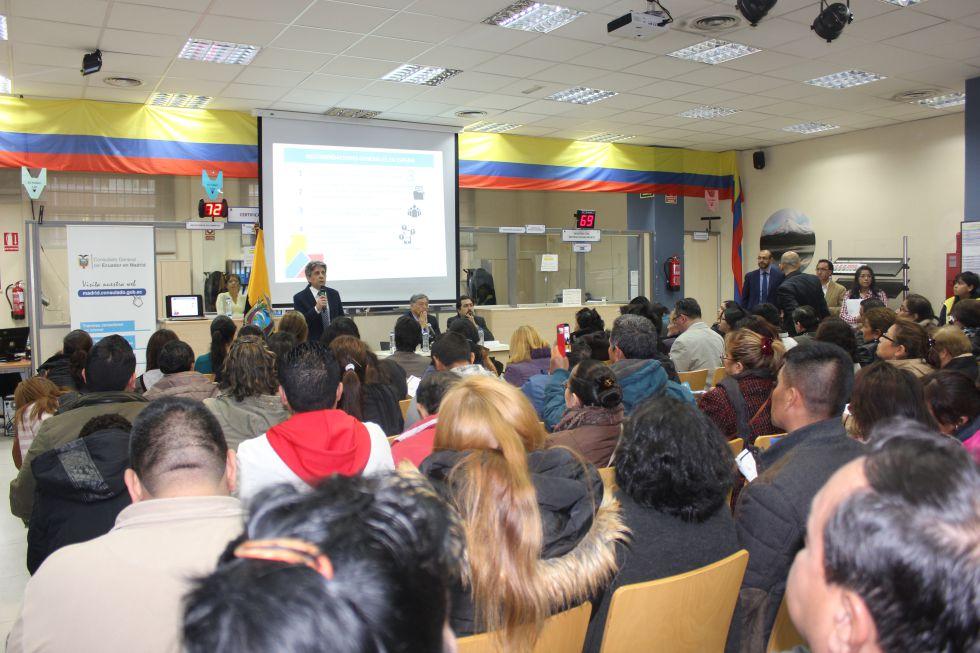 El cónsul de Ecuador en España da explicaciones a los afectados por OGC.