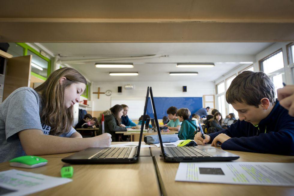 Alumnos de la Escola Pia de Sitges.