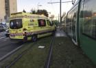 Una niña de 15 años, muy grave al ser arrollada por el tranvía de Parla