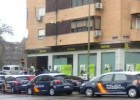 La PAH de Vallecas irrumpe en Bankia y evita dos desahucios
