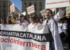 Los enfermeros protestan contra la norma que les prohíbe prescribir