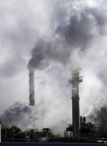 Las emisiones de CO2 de la industria se disparan tras años de crisis