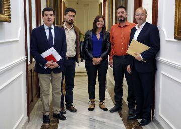 Los concejales del PP de Valencia se niegan a entregar su acta a Bonig
