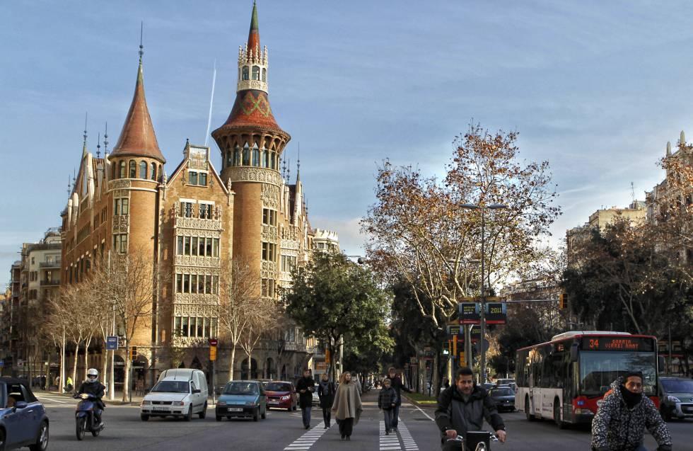 Sant jordi y la princesa vivir n en la casa de les punxes catalu a el pa s - Casa de las punxes ...