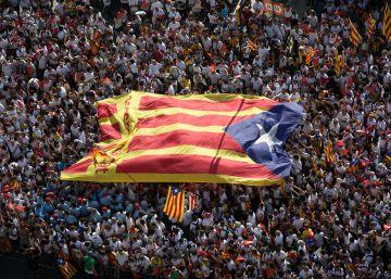 14.000 personas firman un manifiesto a favor del referéndum unilateral