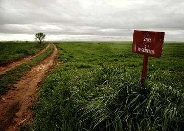 Los mineros piden desproteger el aeropuerto de Campo Real