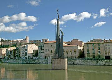 Alcaldes de ERC del Ebro se resisten a retirar símbolos franquistas