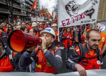 Unidad sindical por otra política industrial