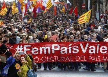 La marcha del 25 d'Abril pide más política lingüística y cultural