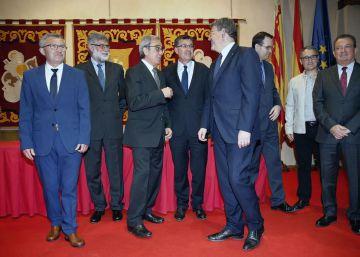 El presidente de las Cortes dedica el 25 d'Abril a reclamar financiación
