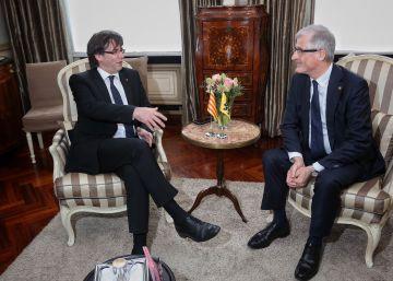 Carles Puigdemont, con Geert Bouregois.