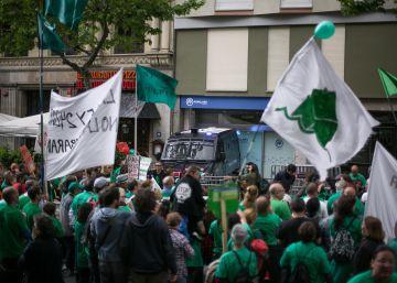 Puigdemont y Colau se lanzan a capitalizar la indignación por la ley de vivienda recurrida