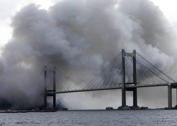 Un aparatoso incendio en una fábrica envuelve en humo Rande