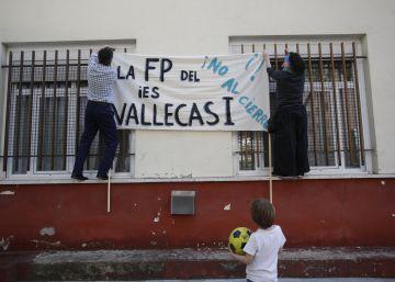 La comunidad educativa acusa a Cifuentes de privatizar y degradar la FP