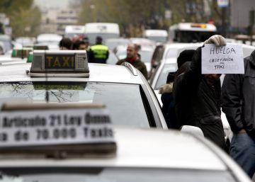 Guerra en el taxi por las licencias de coches con conductor