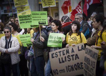 Los profesores salen a la calle contra nuevos recortes