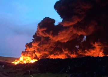 Inferno at tire dump close to Madrid puts two Spanish regions on alert